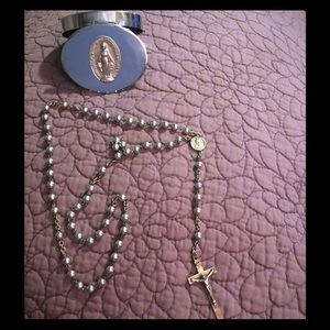 Jewelry - Vintage Silver Rosary and Mother Mary Tin 📿